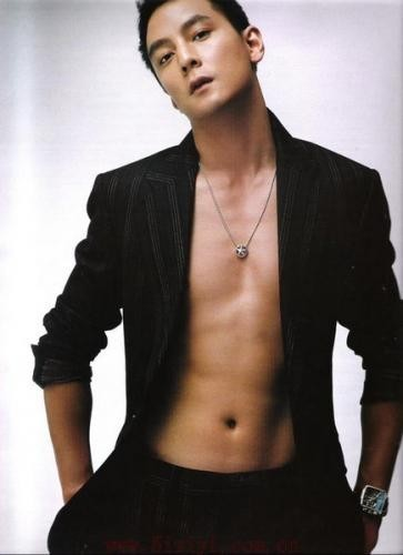 http://asianheroes.files.wordpress.com/2008/08/daniel-wu.jpg
